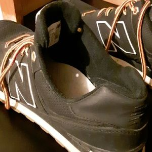 New Balance Shoes - Sz 10.5 black new balance sneakers 574